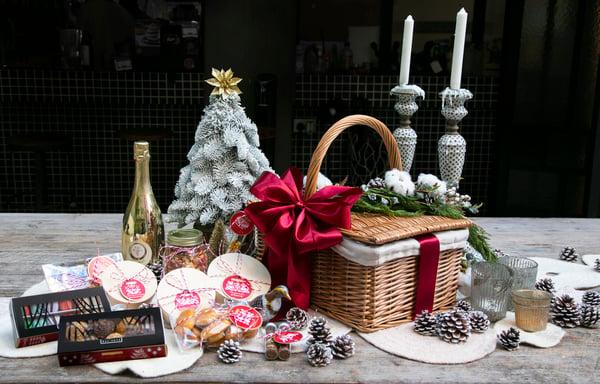 Christmas Hamper Basket - Italian Sparkling Wine